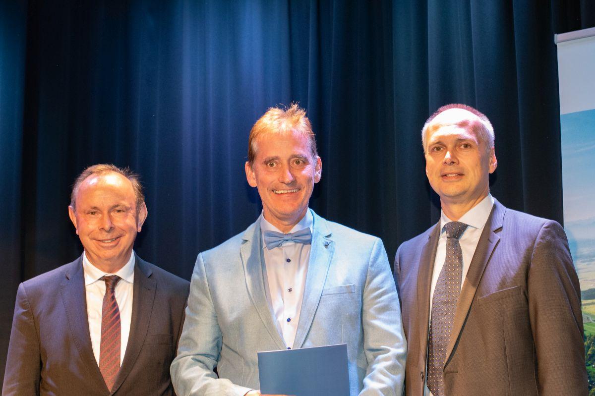 Foto Verleihung des Qualitätssiegel Qualität auf allen Ebenen
